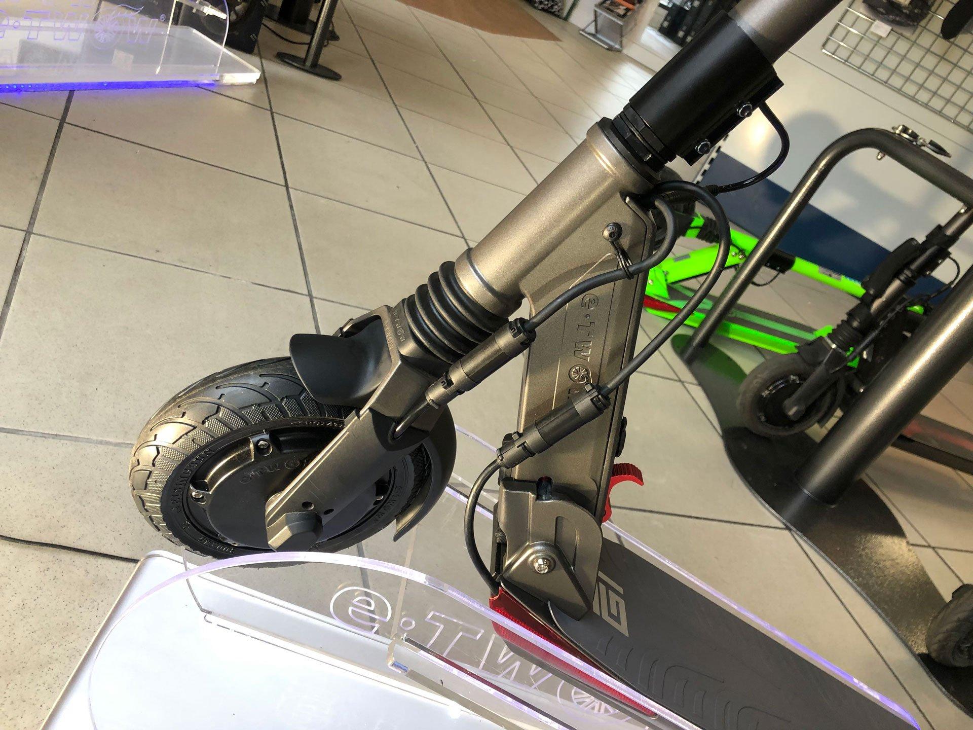 comprar patinete eléctrico dual GT Rueda delantera